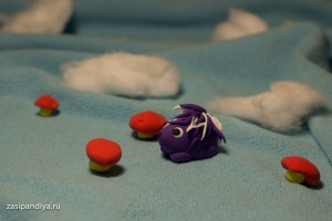 Ежик собирает грибы