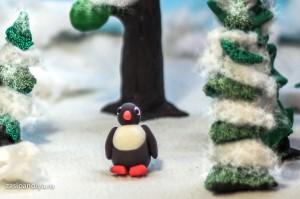 Пингвиненок в зимнем лесу